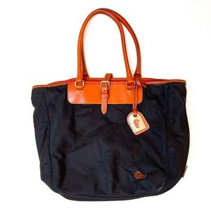 Dooney & Bourke • Black Tote Bag
